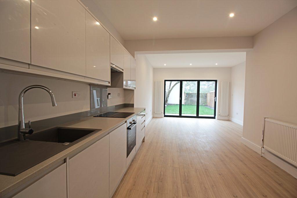 209 brighton ground flr kitchen living room
