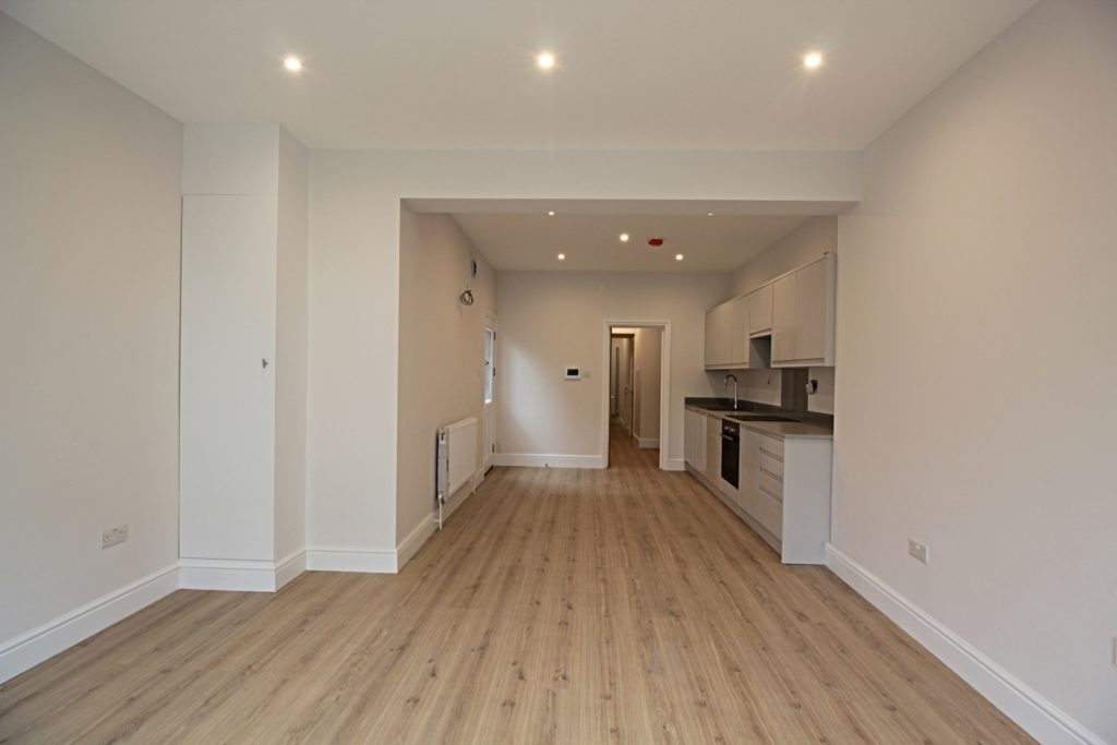 209 brighton ground flr living room kitchen